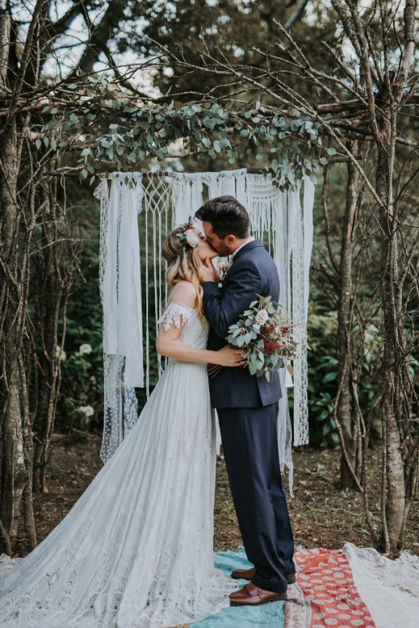 boho-nashville-wedding-inspiration-at-meadow-hill-farm-30