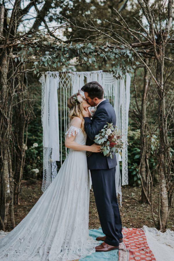 boho-nashville-wedding-inspiration-at-meadow-hill-farm-30