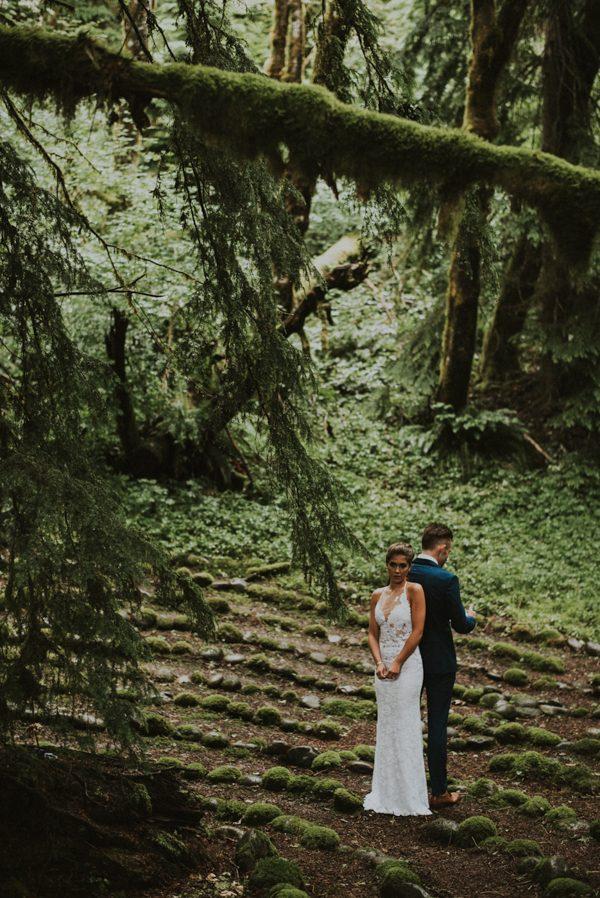 cozy-mount-rainier-wedding-at-the-wellspring-spa-10