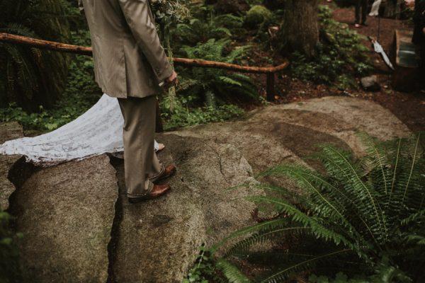 cozy-mount-rainier-wedding-at-the-wellspring-spa-15
