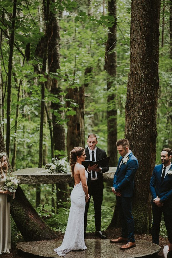 cozy-mount-rainier-wedding-at-the-wellspring-spa-16