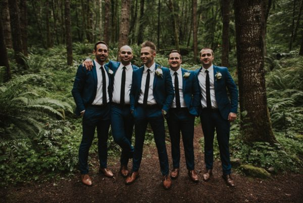 cozy-mount-rainier-wedding-at-the-wellspring-spa-22