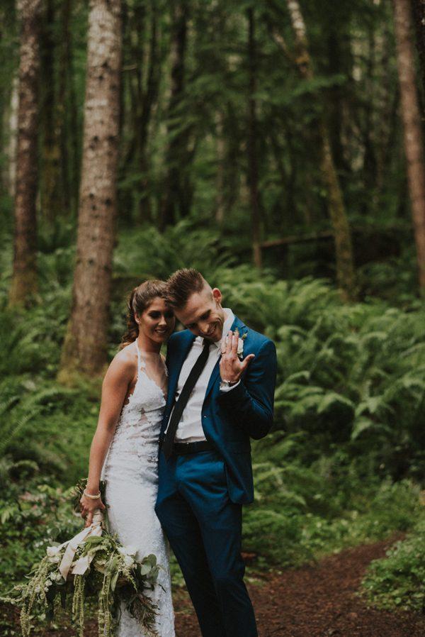 cozy-mount-rainier-wedding-at-the-wellspring-spa-24