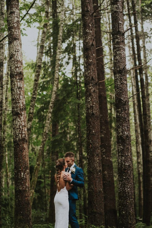 cozy-mount-rainier-wedding-at-the-wellspring-spa-25