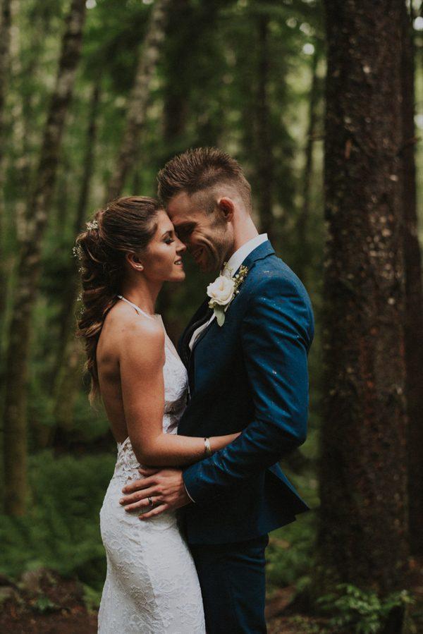 cozy-mount-rainier-wedding-at-the-wellspring-spa-26