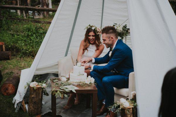 cozy-mount-rainier-wedding-at-the-wellspring-spa-39