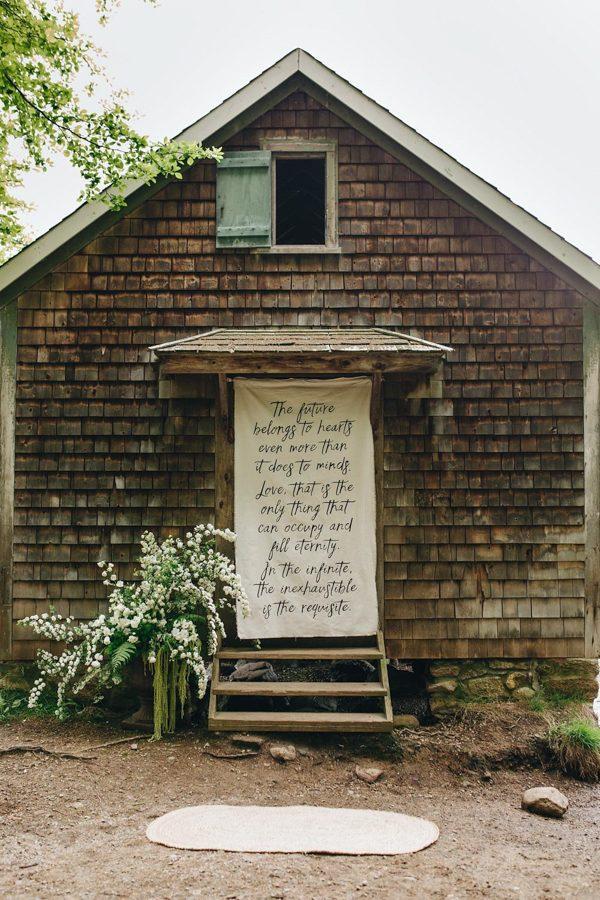 creative-somerville-massachusetts-wedding-at-warehouse-xi-1