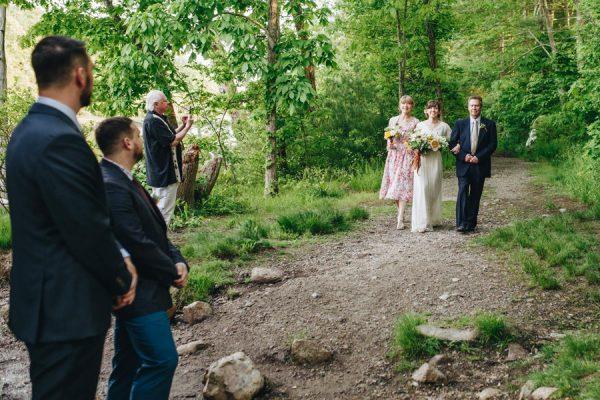 creative-somerville-massachusetts-wedding-at-warehouse-xi-16