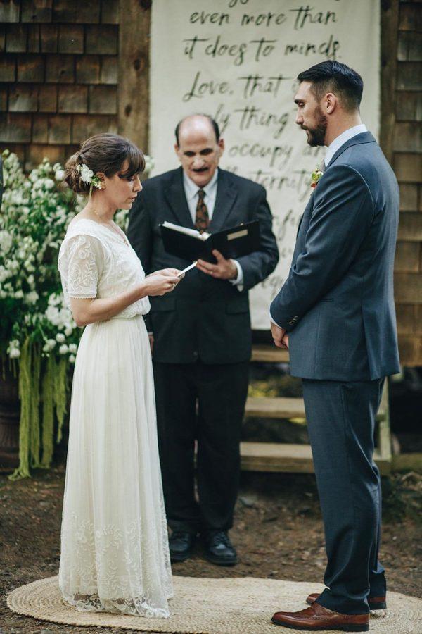 creative-somerville-massachusetts-wedding-at-warehouse-xi-17