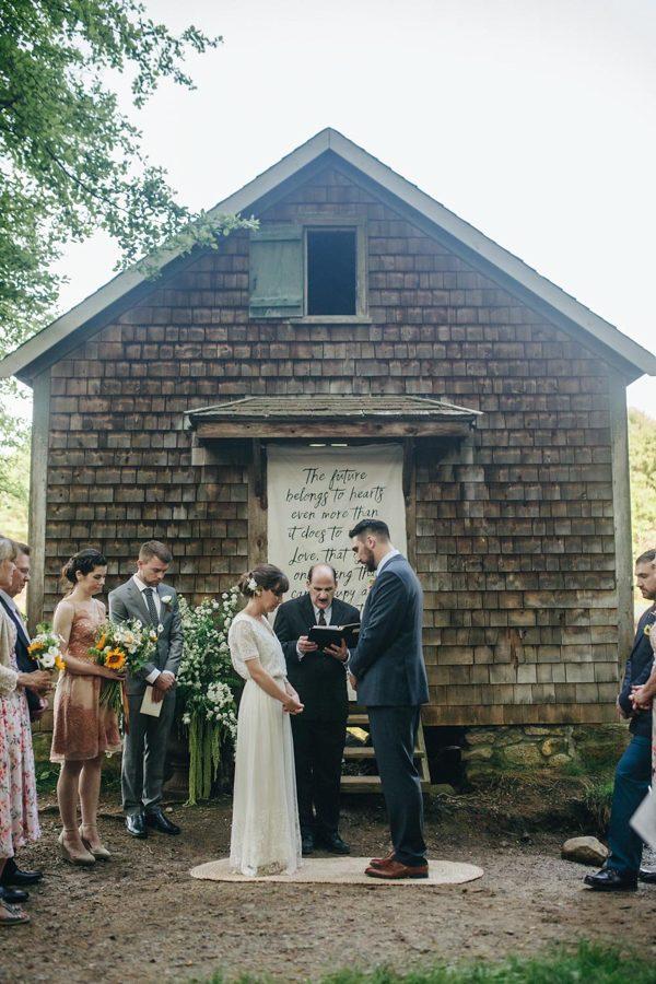 creative-somerville-massachusetts-wedding-at-warehouse-xi-18