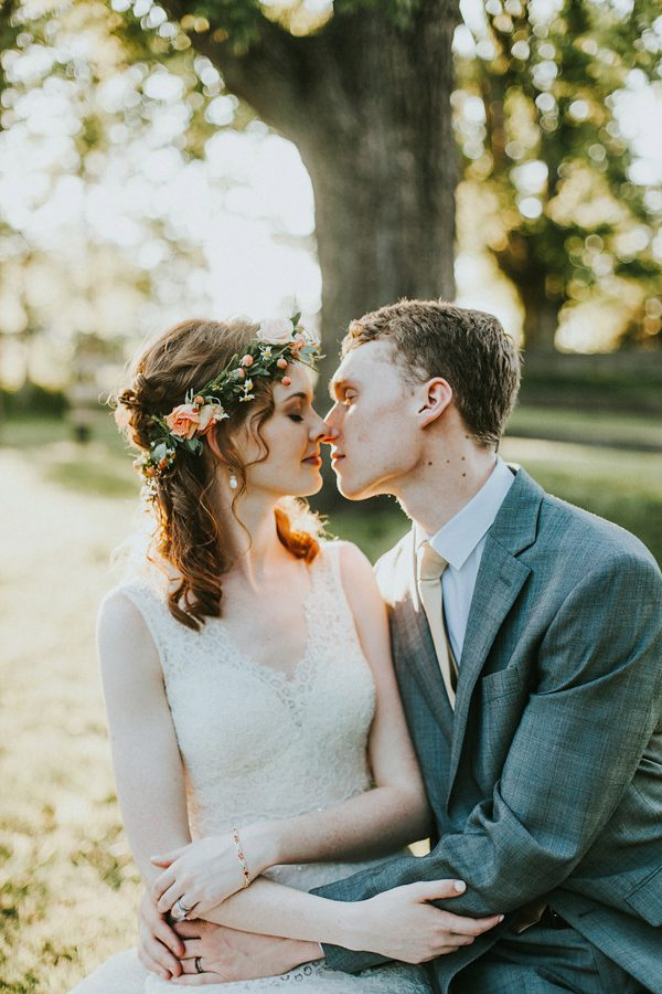 Dreamy Coral And Mint Missouri Wedding In The Woods Junebug Weddings