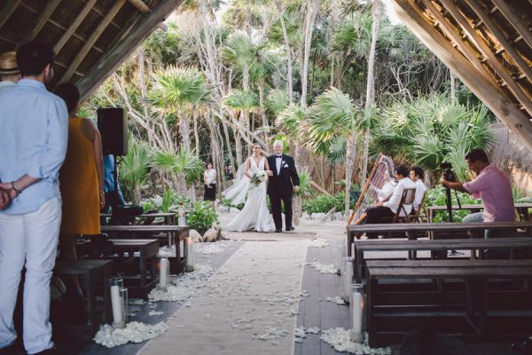 elegant-tulum-destination-wedding-in-black-white-1-2