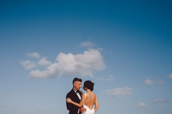 elegant-tulum-destination-wedding-in-black-white-18