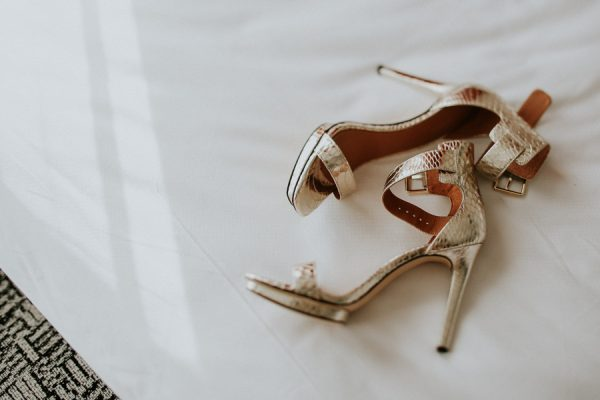 fashion-forward-scottsdale-wedding-in-black-grey-and-rose-gold-1