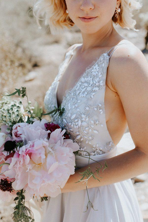 fashion-forward-scottsdale-wedding-in-black-grey-and-rose-gold-23