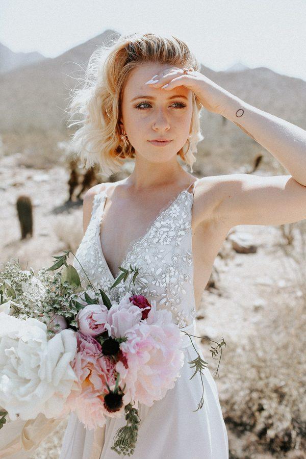 fashion-forward-scottsdale-wedding-in-black-grey-and-rose-gold-24
