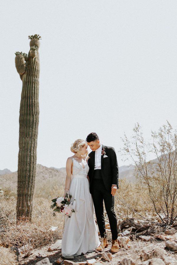 fashion-forward-scottsdale-wedding-in-black-grey-and-rose-gold-25