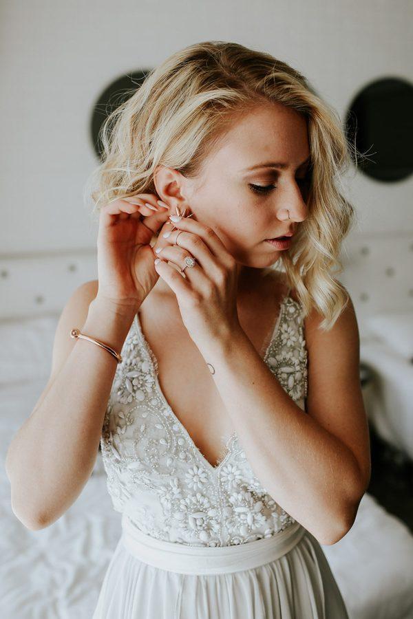 fashion-forward-scottsdale-wedding-in-black-grey-and-rose-gold-7