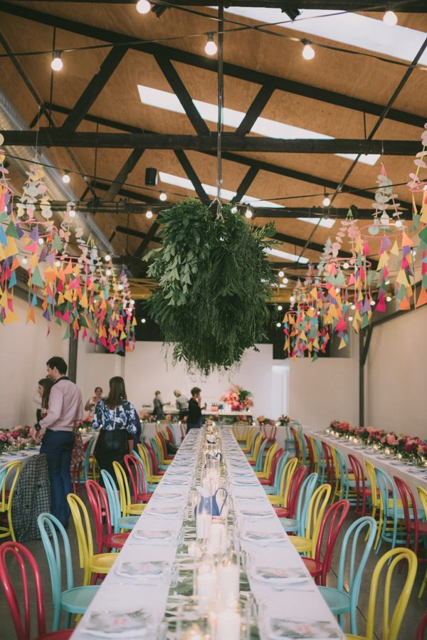 if-you-love-bright-colors-this-heide-modern-art-gallery-wedding-is-for-you-39-600x899