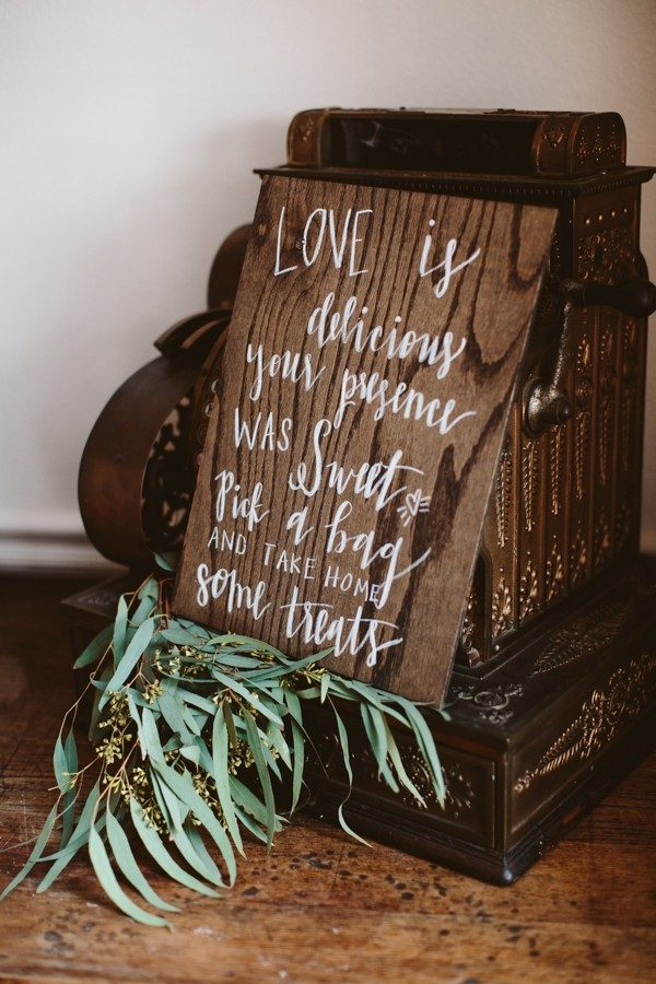 positively-charming-small-town-texas-wedding-at-henkel-hall-24-600x900