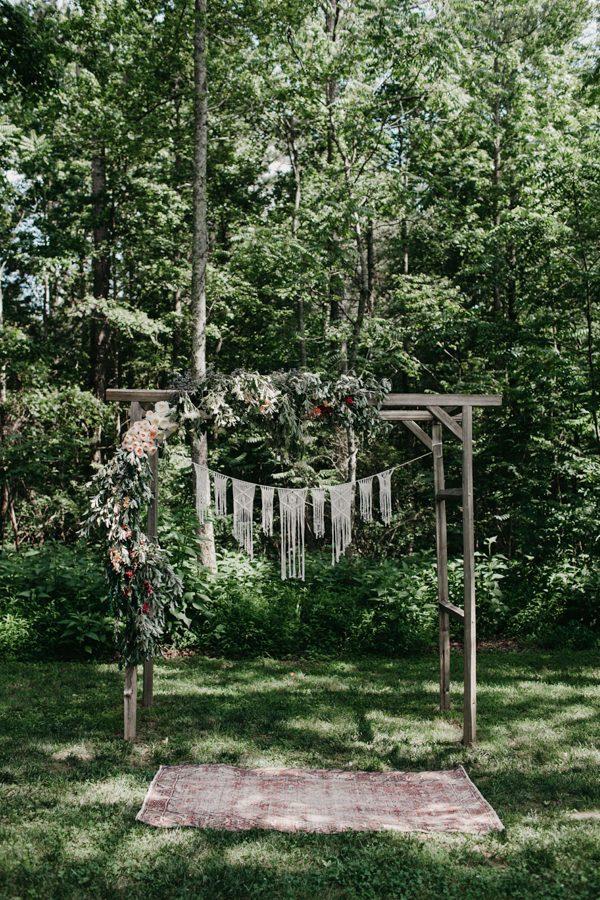 relaxed-boho-north-carolina-wedding-at-rock-quarry-farm-22