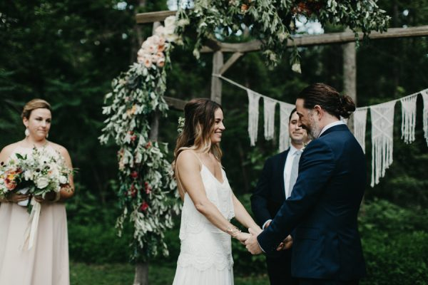 relaxed-boho-north-carolina-wedding-at-rock-quarry-farm-27