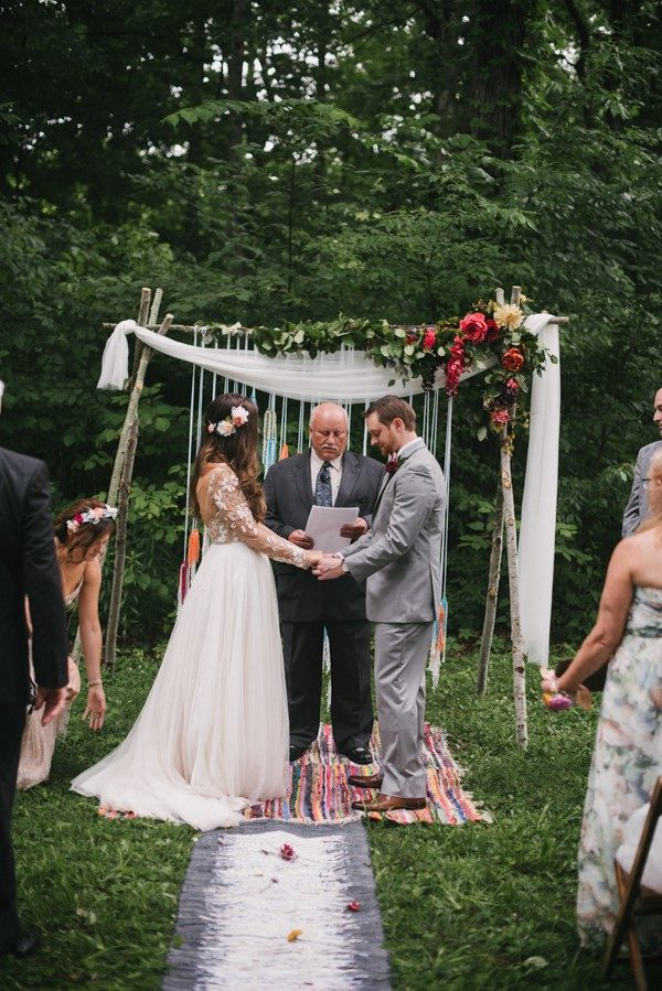 this-couple-diyed-the-heck-out-of-their-dream-wedding-at-mounds-state-park-42-600x899