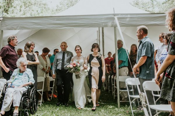 this-couple-made-their-own-traditions-in-their-whitewater-state-park-wedding-1