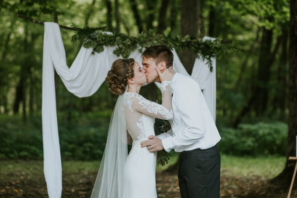 this-couple-made-their-own-traditions-in-their-whitewater-state-park-wedding-5