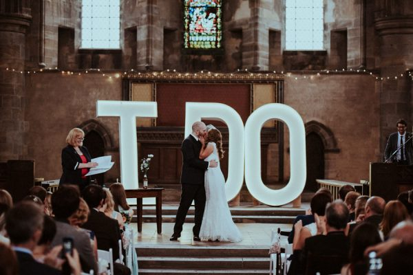 this-couple-said-i-do-in-a-big-way-at-their-leeds-wedding-17