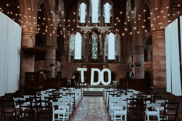 this-couple-said-i-do-in-a-big-way-at-their-leeds-wedding-2