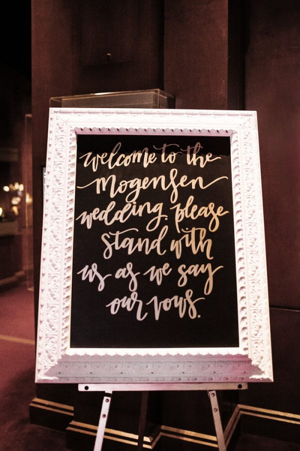 this-houston-museum-of-natural-science-wedding-got-its-inspiration-from-the-gem-and-mineral-exhibit-24
