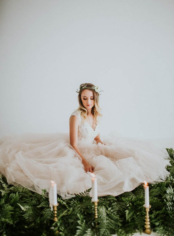 we-guarantee-youll-get-butterflies-over-this-dreamy-emerald-wedding-inspiration-17