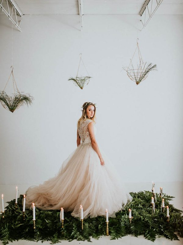 we-guarantee-youll-get-butterflies-over-this-dreamy-emerald-wedding-inspiration-18