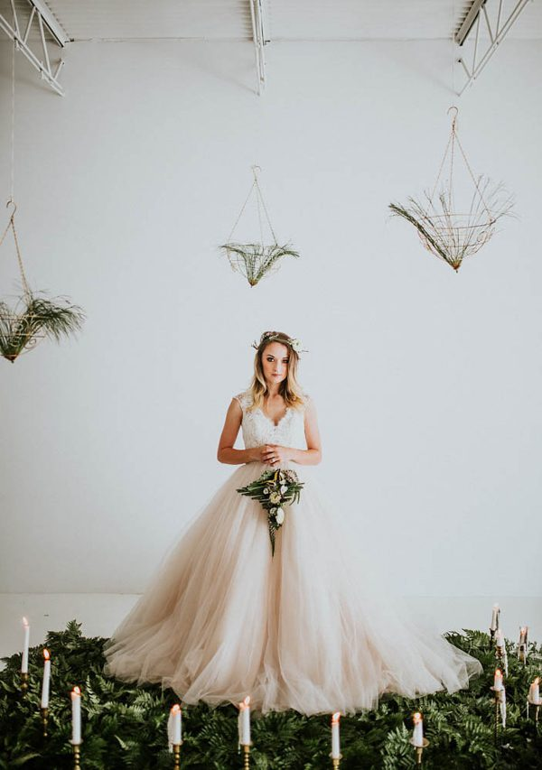 we-guarantee-youll-get-butterflies-over-this-dreamy-emerald-wedding-inspiration-20