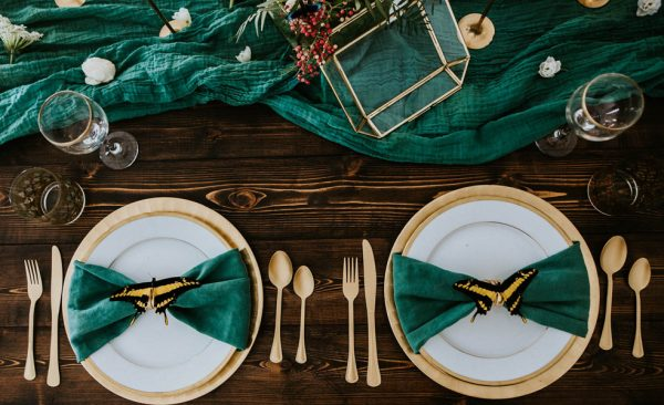 we-guarantee-youll-get-butterflies-over-this-dreamy-emerald-wedding-inspiration-7
