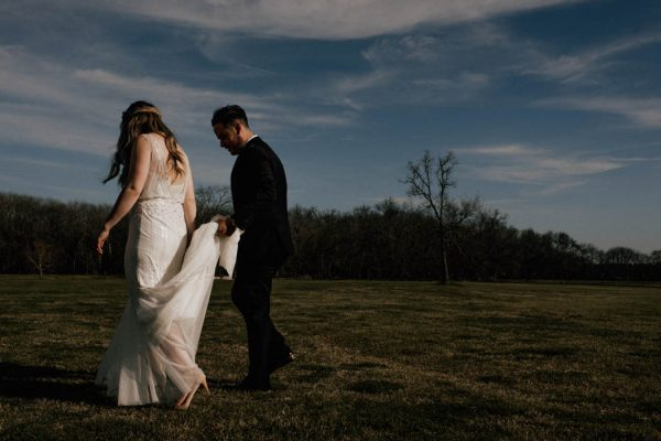 black-and-emerald-texas-wedding-at-olde-dobbin-station-joseph-west-10