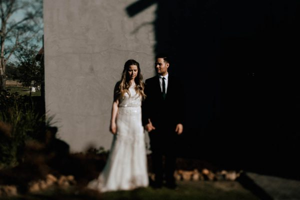 black-and-emerald-texas-wedding-at-olde-dobbin-station-joseph-west-37