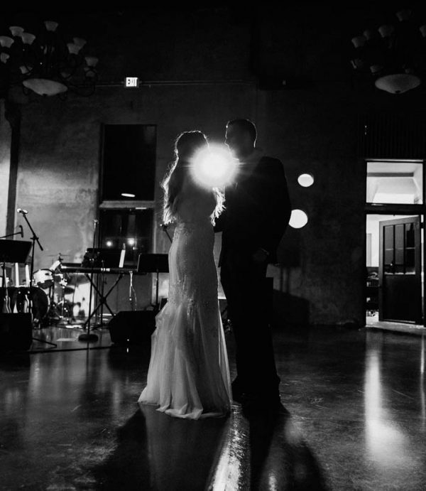 black-and-emerald-texas-wedding-at-olde-dobbin-station-joseph-west-4