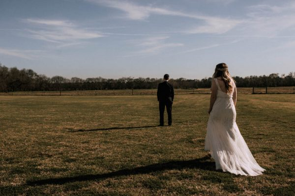 black-and-emerald-texas-wedding-at-olde-dobbin-station-joseph-west-8