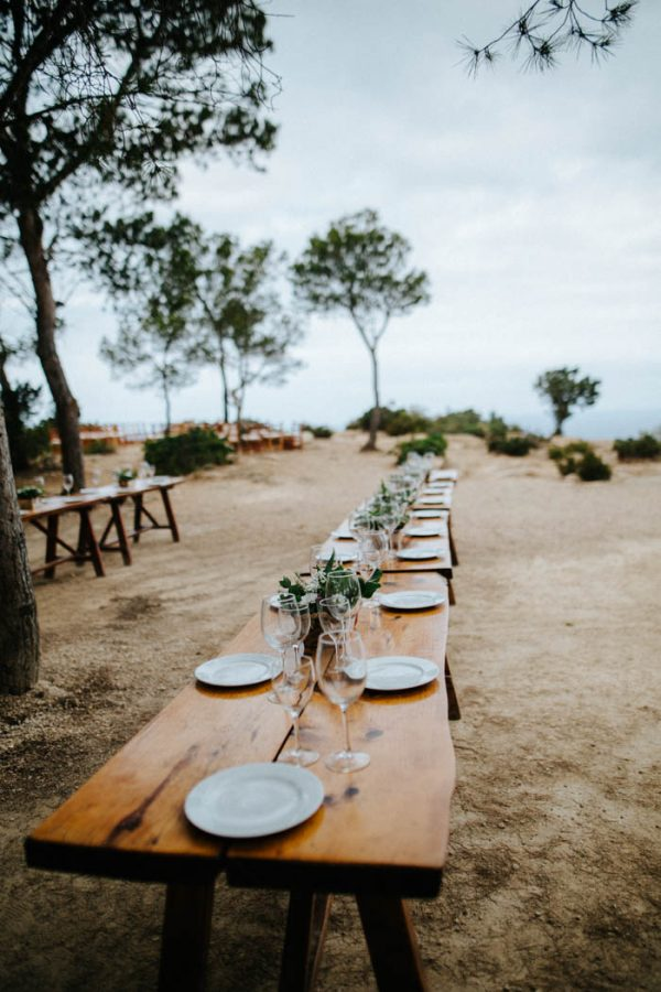 effortless-cliffside-wedding-in-ibiza-sascha-kraemer-12