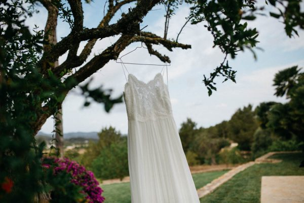 effortless-cliffside-wedding-in-ibiza-sascha-kraemer-2