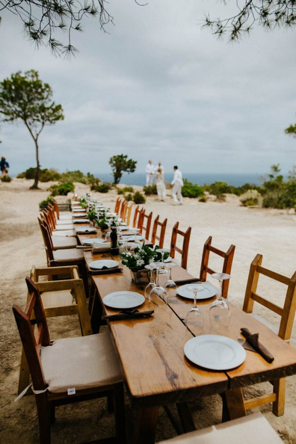 effortless-cliffside-wedding-in-ibiza-sascha-kraemer-24