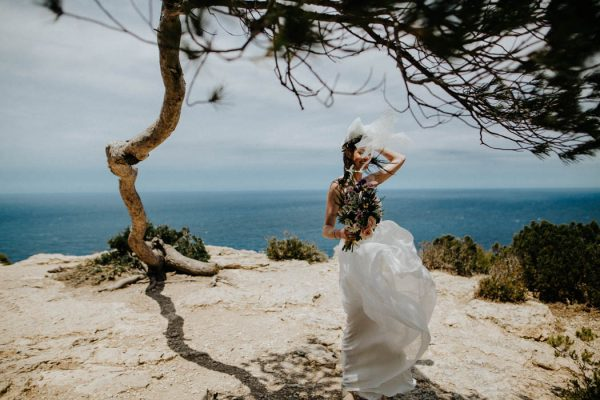effortless-cliffside-wedding-in-ibiza-sascha-kraemer-25