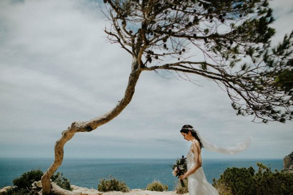 effortless-cliffside-wedding-in-ibiza-sascha-kraemer-26
