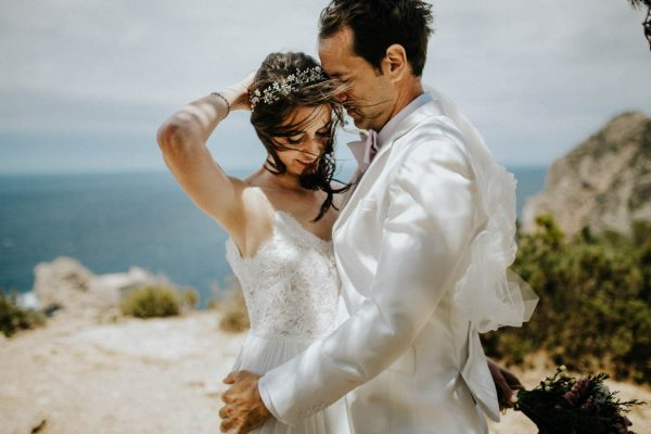 effortless-cliffside-wedding-in-ibiza-sascha-kraemer-27