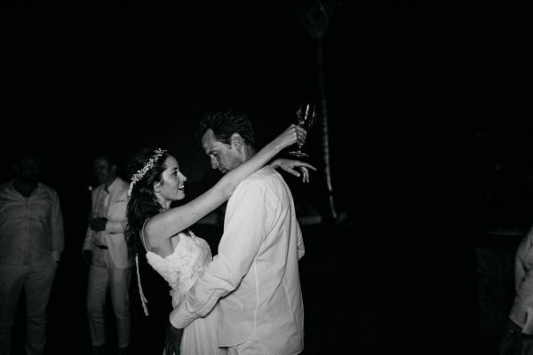 effortless-cliffside-wedding-in-ibiza-sascha-kraemer-42