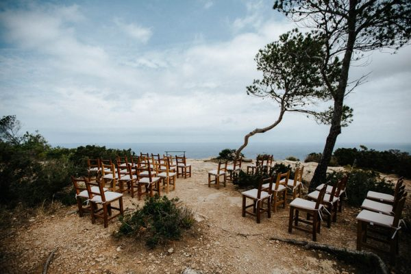 effortless-cliffside-wedding-in-ibiza-sascha-kraemer-7