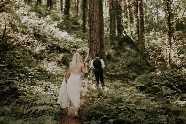 modern-romantic-portland-wedding-at-leftbank-annex-olivia-strohm-photography-10