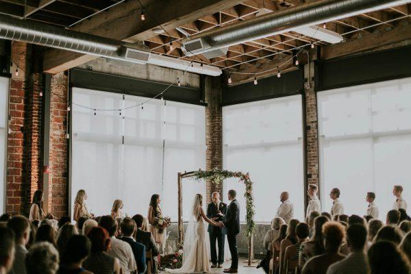 modern-romantic-portland-wedding-at-leftbank-annex-olivia-strohm-photography-13